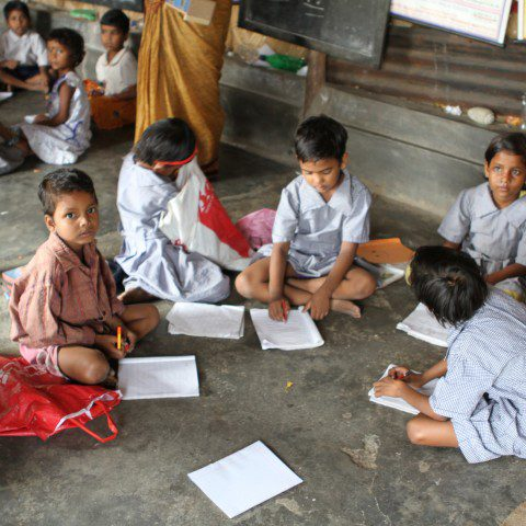 Children in India benefiting from the Barefoot Teachers Training Program in Kolkata.