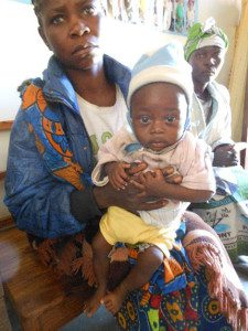 njamba-with-relatives-while-his-mother-was-being-cared-for-in-hospital